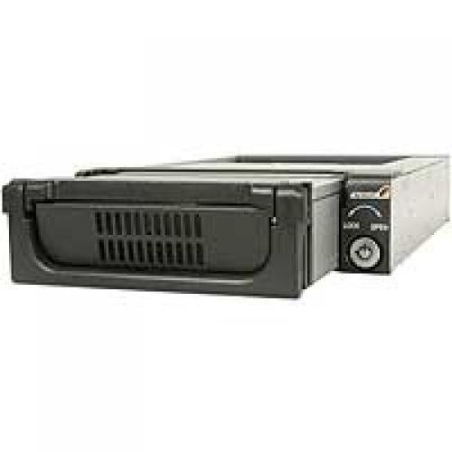 """StarTech.com Cassetto rack portatile per disco rigido SATA da 5,25"""", robusto, in alluminio e di colore nero cod. DRW150SATBK"""